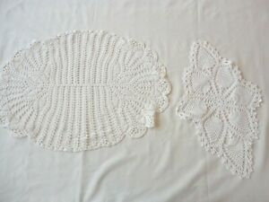 2-Vintage-1950-039-s-Hand-Crochet-Doilies-Assorted-Sizes