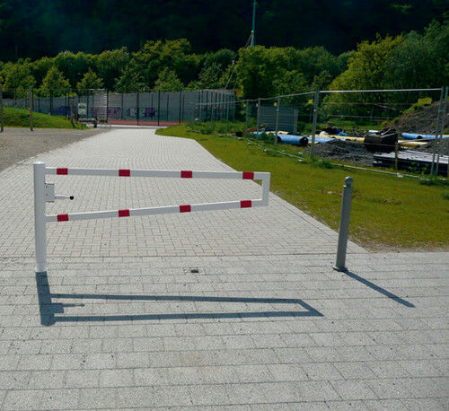 Wegesperre drehbar 90° Pfosten ab 1,5 m Sperrbreite mit Verriegelung Absperrung