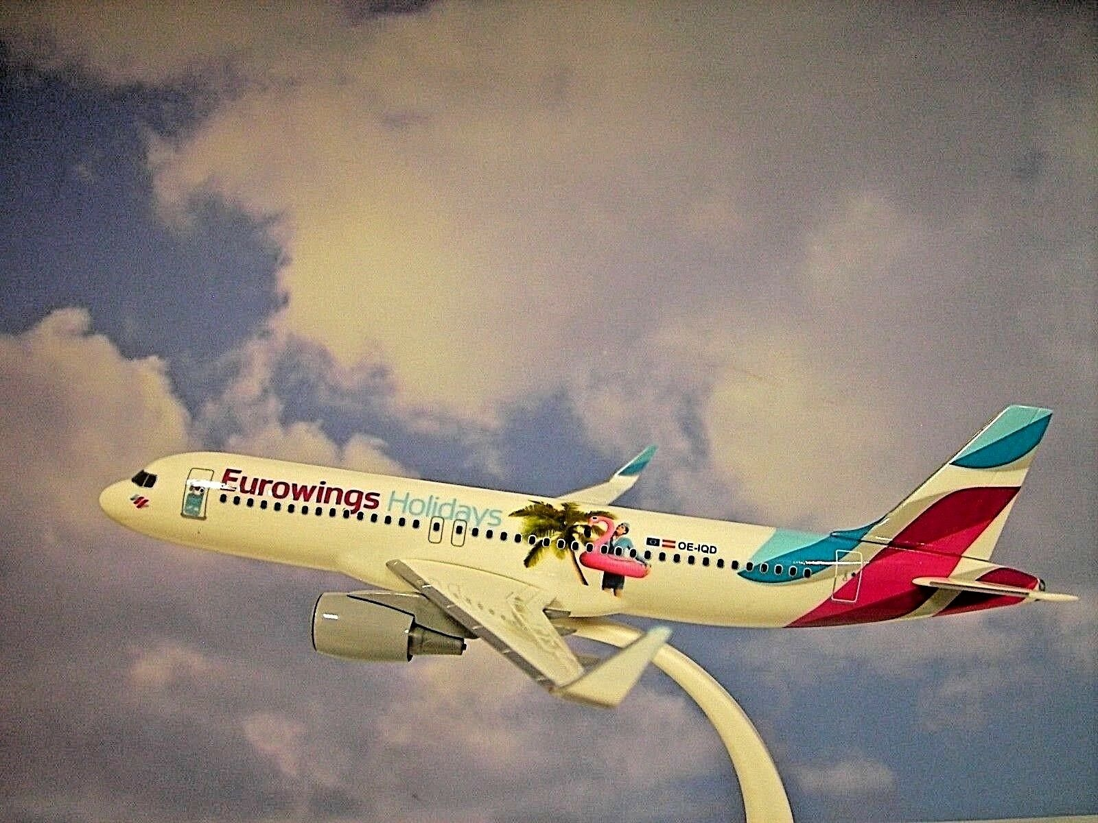 Herpa Wings 1 200 Snap Fit Airbus A320 Eurowings Holidays Holidays Holidays Oe-Iqd 611893 21a325