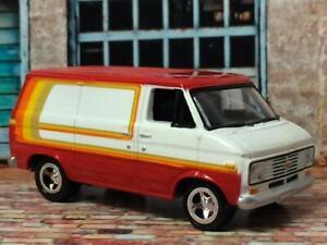 1971-1995-Chevrolet-G20-Cargo-Converted-Hippie-Van-1-64-Scale-Limited-Edt-Z3