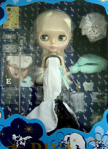 WOW  RARE DARLING DIVA CWC FIFTH ANNIVERSARY 12  BLYTHE  NRFB  LAST ONE