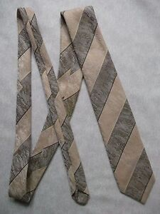 Vintage-TOOTAL-Tie-Mens-Necktie-Retro-1980s-Fashion-STRIPED-BROWN-CREAM-TEXTURED