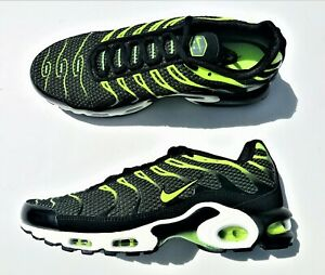 Nike Air Max Plus TN Tuned 1 Black Volt Dark Grey White