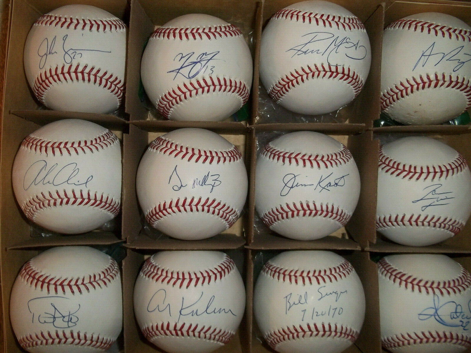 Don Mattingly New York Yankees Autographed Signed Official Major League Baseball