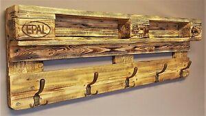 Garderobe-Holz-vintage-aus-Paletten-Garderobe-aus-Europaletten-Palettenmoebel