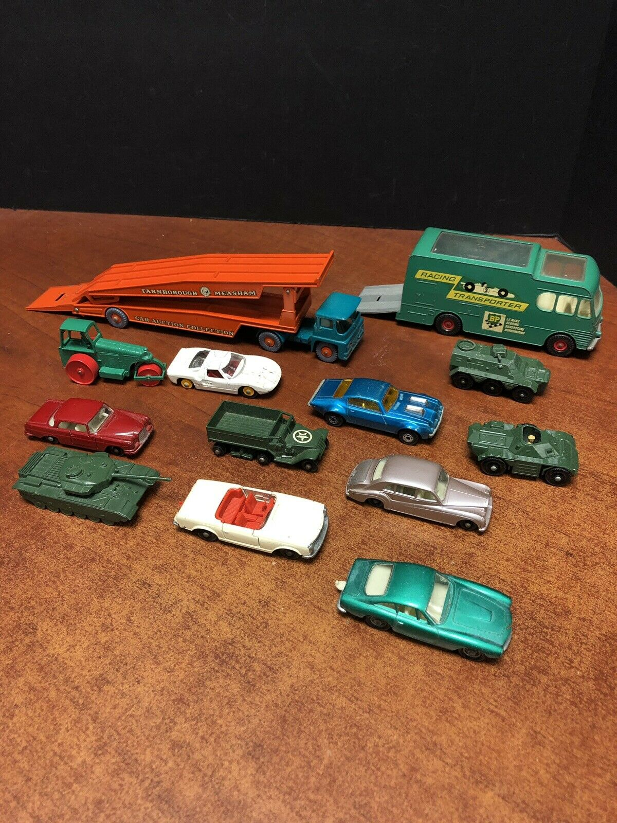Matchbox Lesney Lot Of 13 Car & Racing Transporter Mercedes Ferrari Tank EM2619
