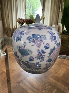 Vintage-Chinese-WHITE-BLUE-PINK-Porcelain-Ginger-Jar-Vase-Grapes-Flowers-10-034-TALL