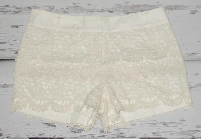 ANN TAYLOR LOFT~IVORY CREAM *FLORAL CROCHET* FASHION KNIT DRESSY MINI SHORTS~10