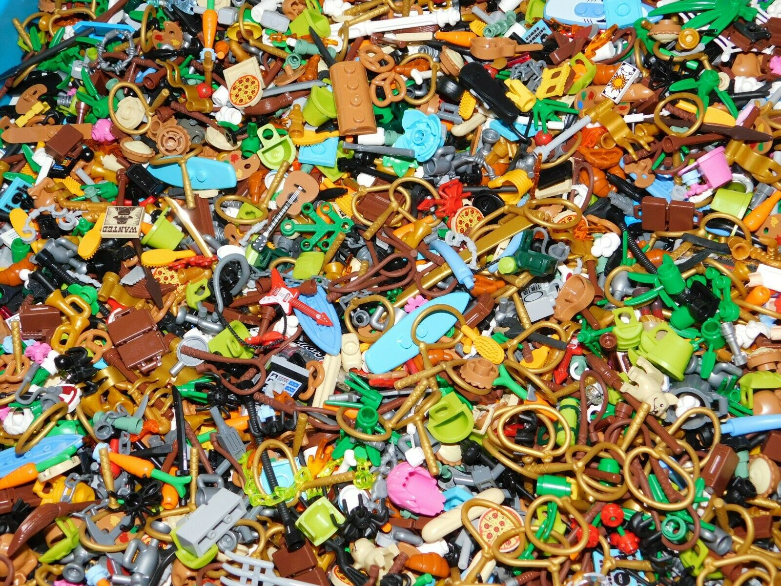 1500 LEGO HUGE LOT OF RARE UTENSILS ACCESSORIES CUPS BOWLS GUITAR FOR MINIFIGS