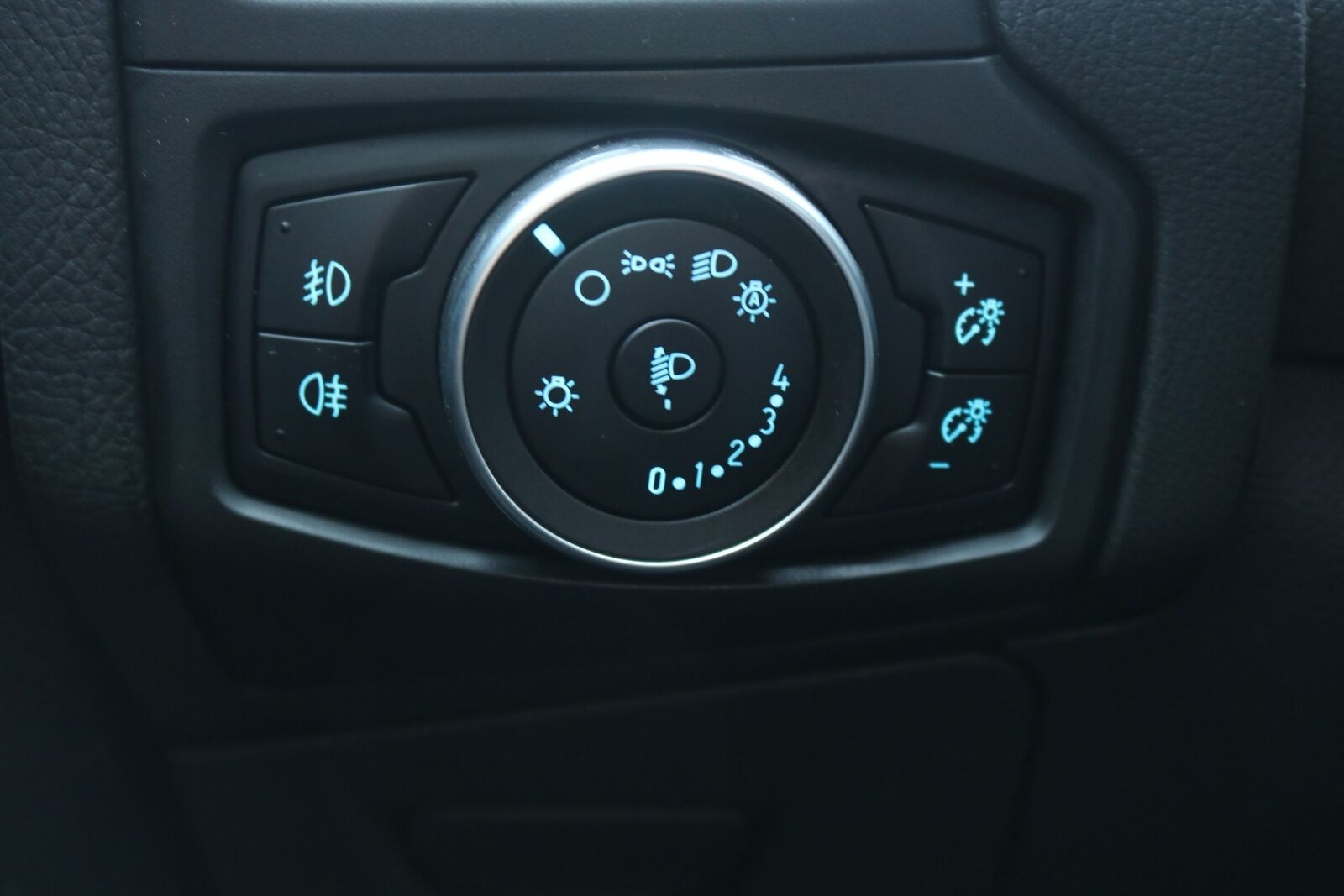 Ford Focus SCTi 125 Titanium stc.