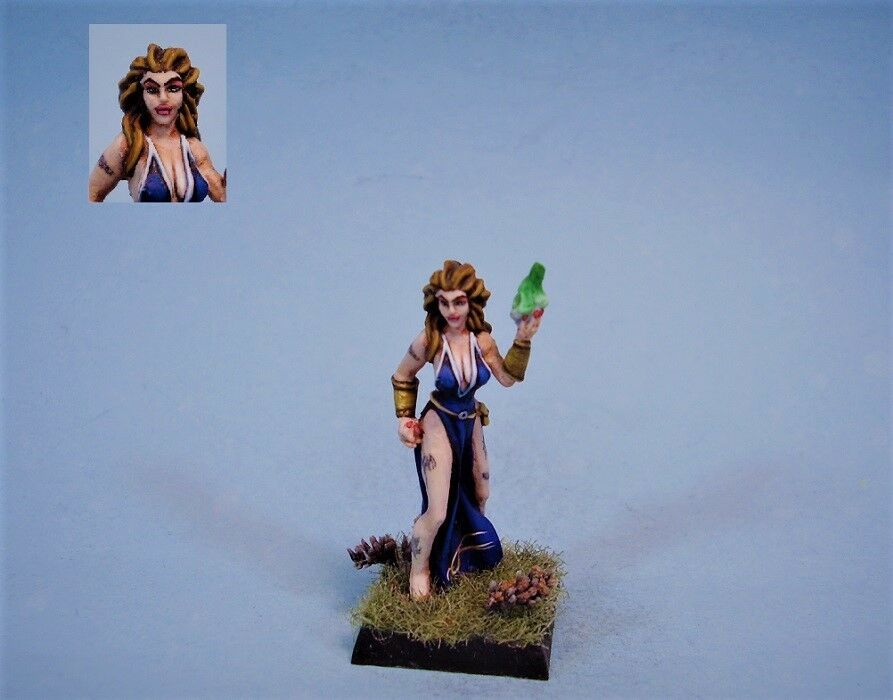 Fenryl painted miniature female sorceress