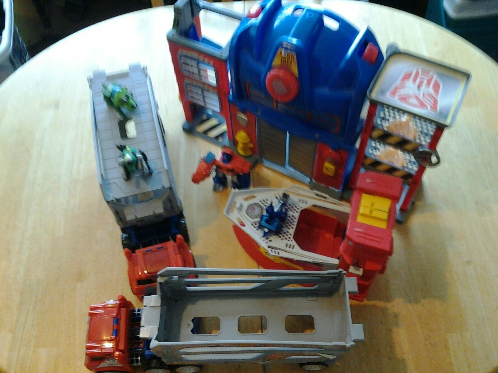 Transformers Rescue Bots Lot  Fire Station Prime Playset High Tide Playskool