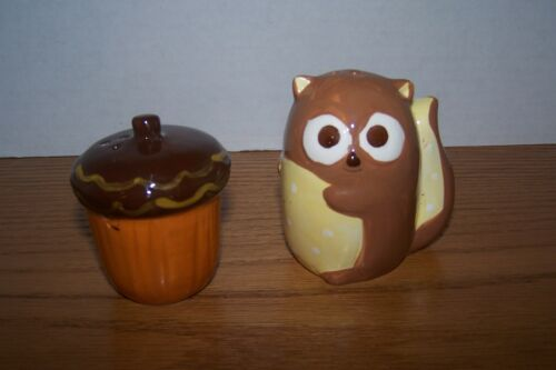 CUTE squirrel and Acorn salt and Pepper shakers
