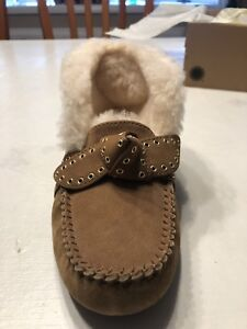 33d12e4aaac Details about womens ugg slippers size 8 new