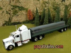 Die-Cast-White-Kenworth-Semi-W900-amp-Pipe-Load-O-Scale-1-43-by-New-Ray