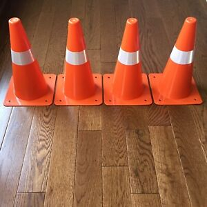 4-Orange-Safety-Cones-Reflective-Traffic-Parking-Lines-Indoor-Outdoor-Day-Night