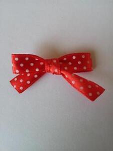 20 spotty satin ribbon hand tied bows. 9mm ribbon, various colours available