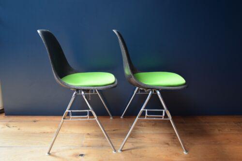 2 Vintage Herman Miller Eames DSS chairs, mid century modern