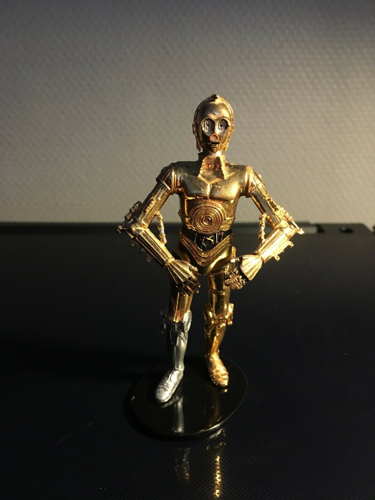 STAR WARS FIGURINE  ATTAKUS  C-3PO N  700 METAL 10,5 cm