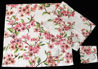 **NEW** Handmade Honey Bees /& Dogwood Flowers Hanging Kitchen Hand Towel #1446