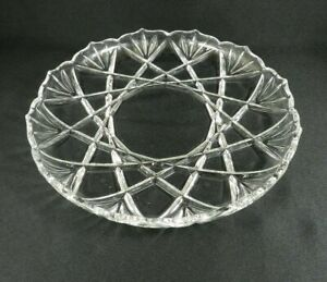 Vintage-Pressed-Glass-Round-Serving-Tray-12-5-034-Crossed-Bamboo-Leaves