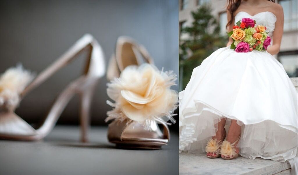 245 Badgley Mischka Kiwi Vanilla Champagne Nude Satin Open Toe Sandals 6.5
