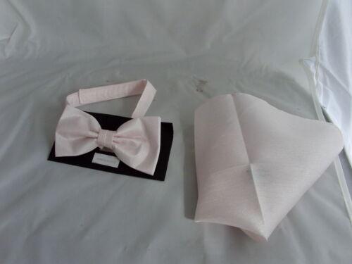 /<gg/> l/'eau de rose rose pour homme ou garçon polyester noeud papillon et Hankie set ou carrés seulement