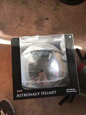 Spirit Halloween Astronaut Helmet Among US Cosplay Helmet ...