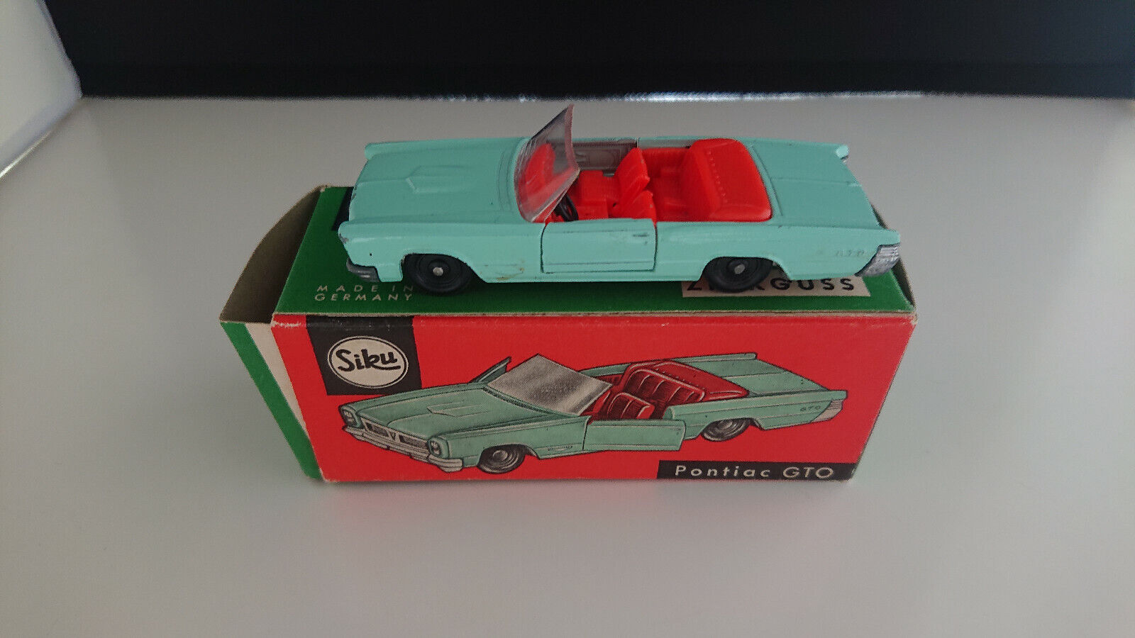 los nuevos estilos calientes Siku V-serie V-serie V-serie v277 Pontiac GTO luz verde OVP  calidad garantizada