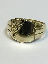 Lovely 9 Carat Yellow Gold GENTS SHIELD PATTERNED SIGNET Ring