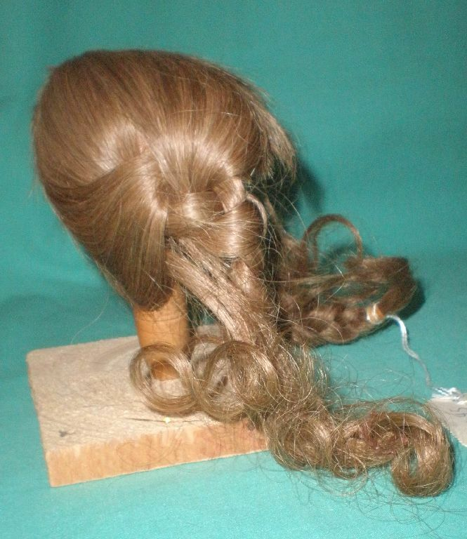 Doll wig  human hair 10  to to to 10.5  light br.  braids Wancke EHperücke 25-26 13258a