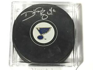 David-Backes-42-Autographed-Signed-Puck-St-Louis-Blues-NHL-Hockey-Team-Logo