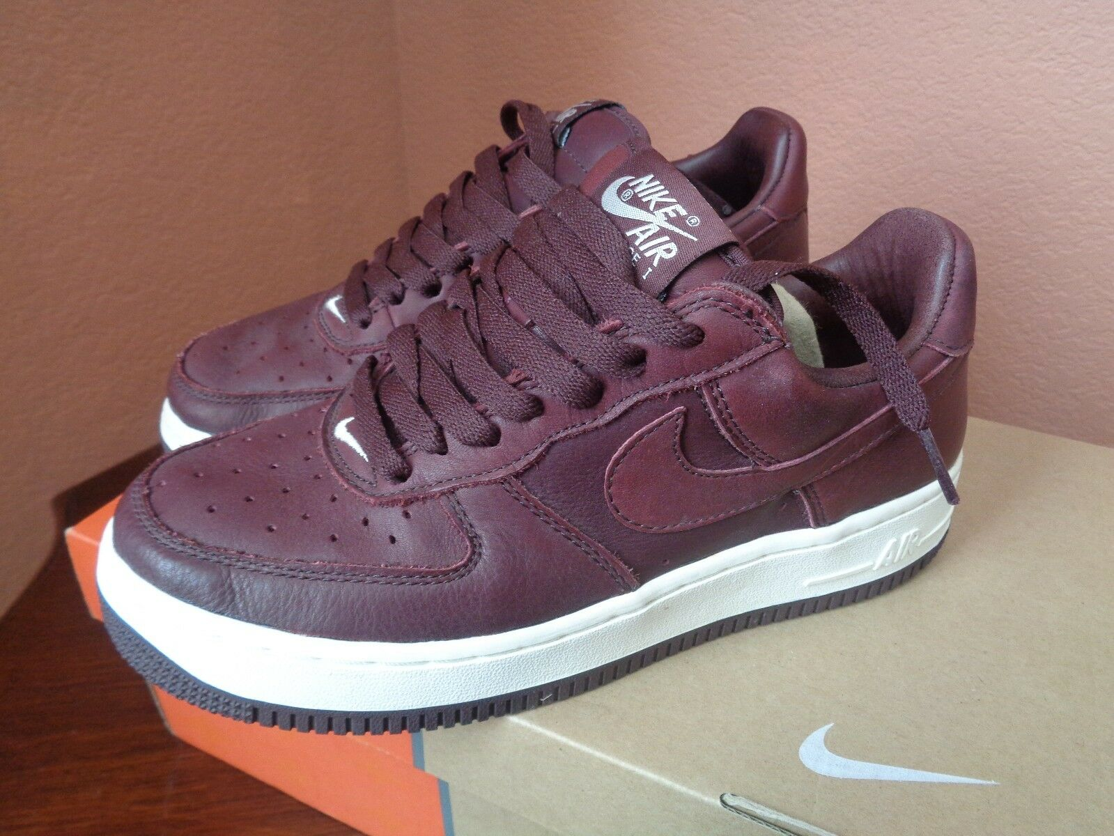 Nike Women's Air Force 1 Premium Redwood/ Redwood Sail Athletic Shoes Size 7