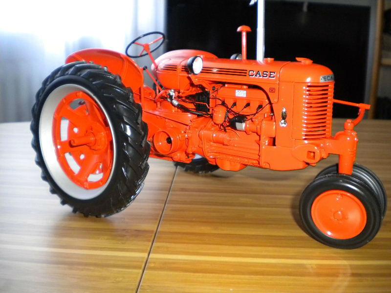 Modèle  de tracteur CASE 1 16 Universal Hobbies  bonne qualité