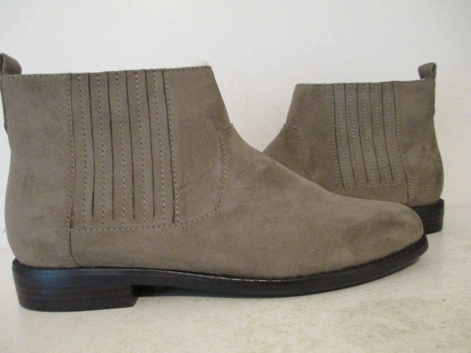 Bass Damenschuhe Bridgit Suede Ankle Chic Double Gore Sided Ankle Suede Bootie Griffin Größe 6 M 5d9480