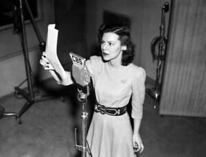 OLD-CBS-RADIO-PHOTO-Actress-Helen-Mack-on-the-program-Myrt-and-Marge-3