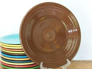 Fiesta-CHOCOLATE-Post-86-9-034-Luncheon-Plate-Discontinued-Color
