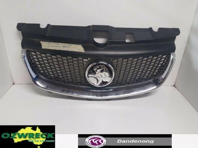 GENUINE HOLDEN COMMODORE VE SERIES 2 CALAIS FRONT RADIATOR GRILLE.