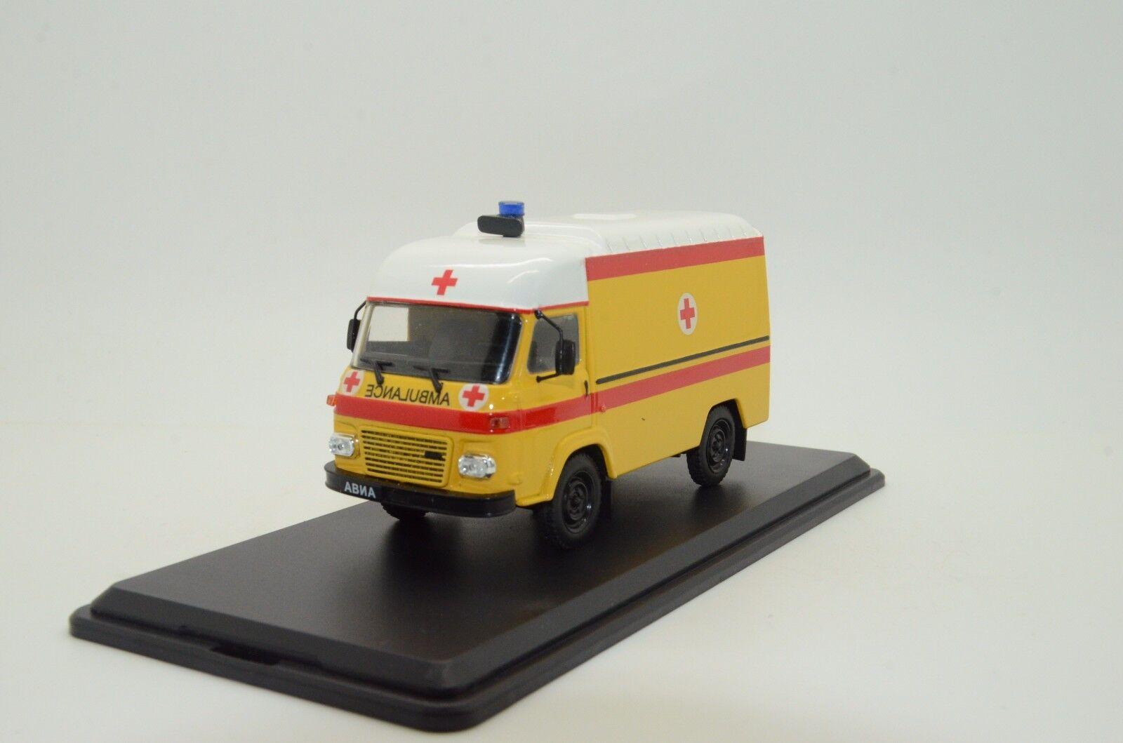 Mega RARE RARE RARE  Avia Ambulance Custom Made 1/43 cc1fd2