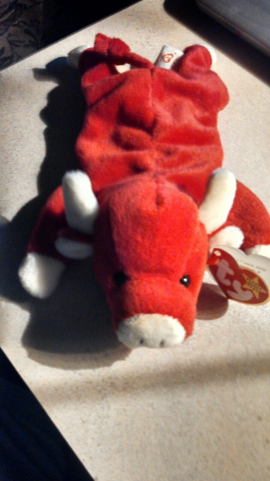 008421040025    RARE  VINTAGE 1995 SNORT TY BEANIE BABY RED BULL PLUSHIE WIT