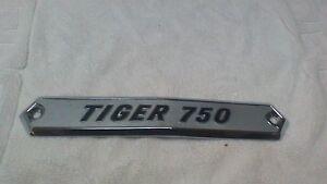 triumph-tiger-750-pannel-badge
