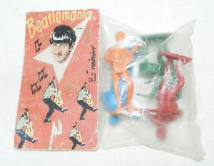 RARE-COLLECTABLE-BEATLEMANIA-4-FIGURES-BEATLES-60-039-s-VINTAGE-MEMORABILIA