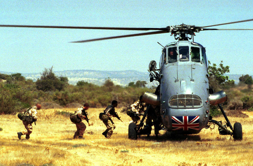 39 Regiment Royal Artillery & Wessex helicopter Photo Print