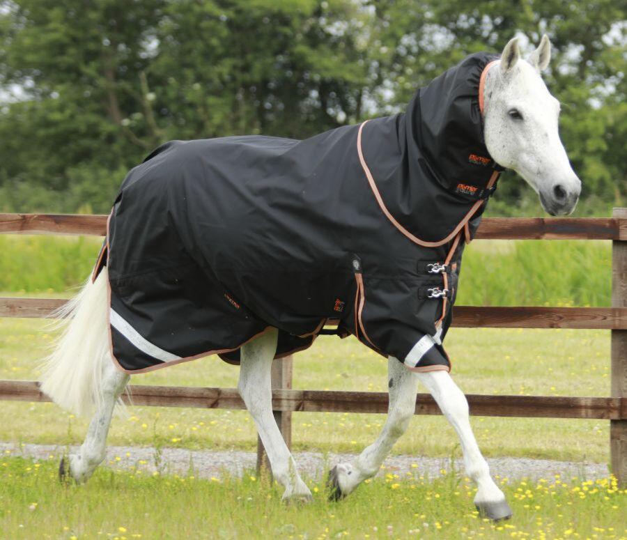 Premier Equine Titan 300g participación Alfombra Con Cubierta De Cuello