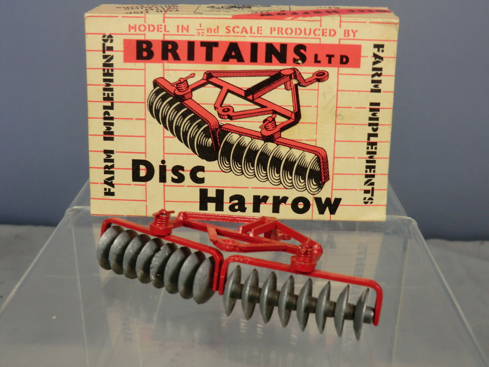 BRITAINS MODEL  No.9534      RED DISC HARROW        VN  MIB