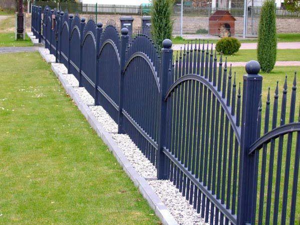 Recinzione di metallo zincato steccato ANTRACITE cancelletto pedonale montanti in metallo metallo RECINZIONI