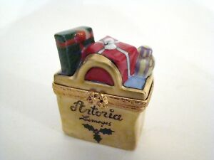Artoria-Limoges-Box-Gold-Artoria-Limoges-Shopping-Bag-Stuffed-with-Gifts