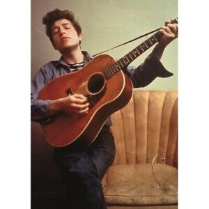 BOB-DYLAN-COLOUR-POSTER-PLAYING-GUITAR-1960s-84-x-60-cm-33-034-x-24-034
