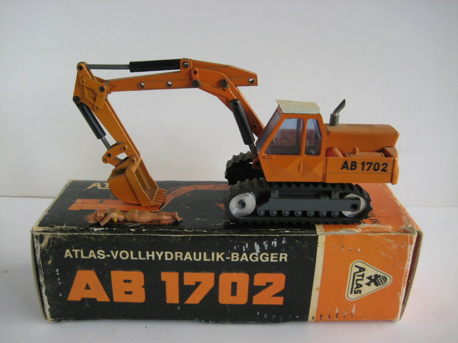 Atlas ab 1702 excavator shovel  104.3 nzg 1 50 original packaging