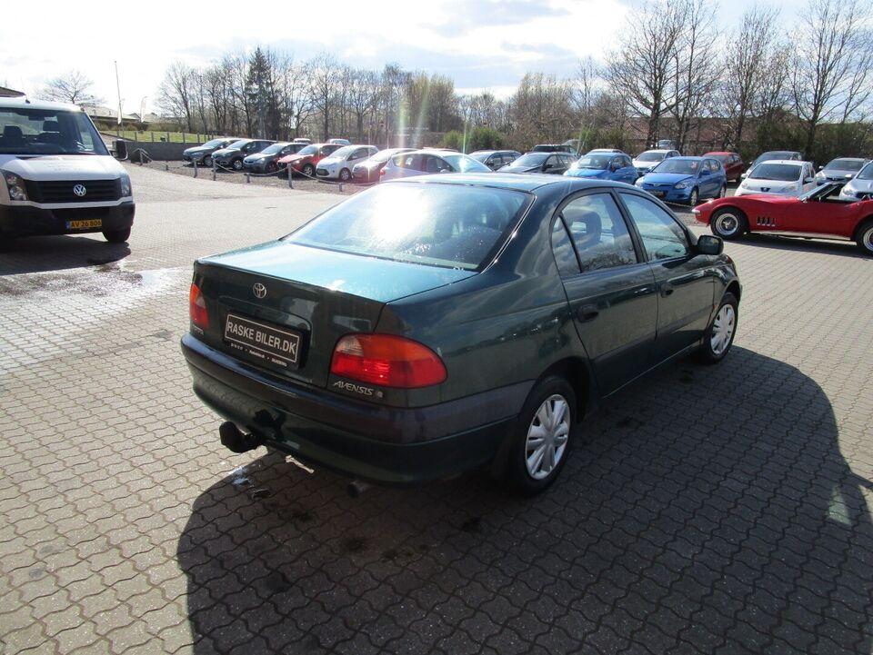 Toyota Avensis 1,6 Terra Benzin modelår 1999 km 258000